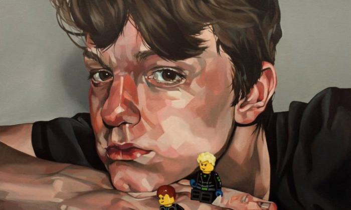 Gabriel with Lego, de Jo Beer